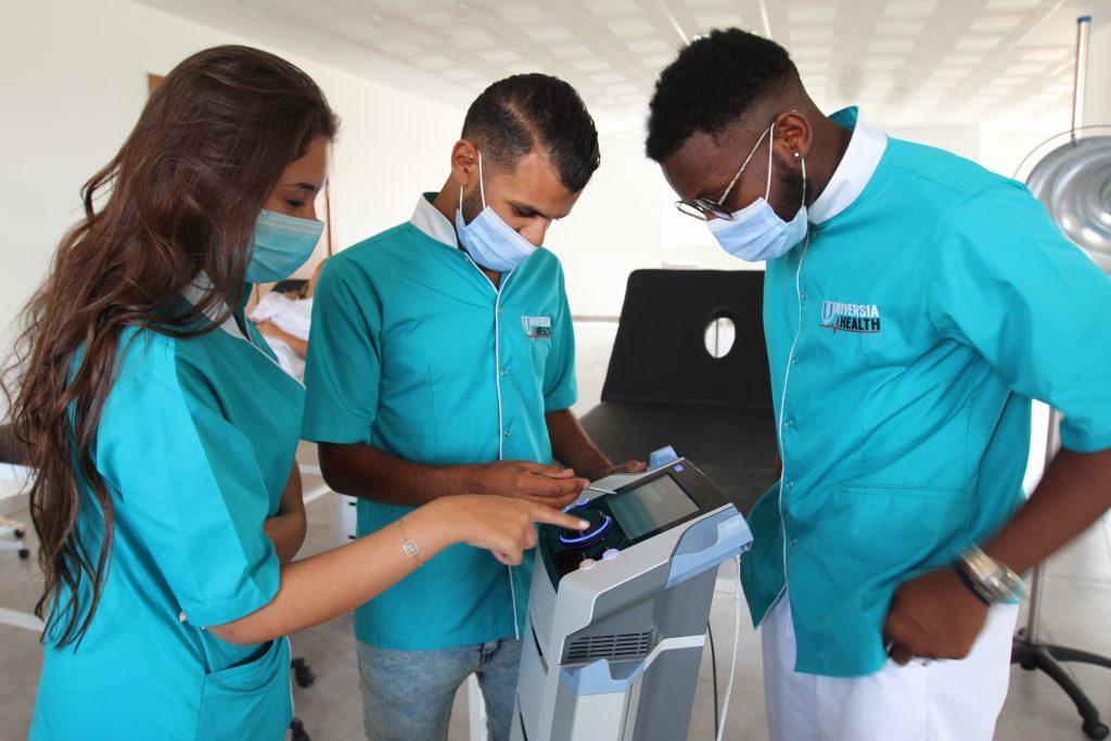 des étudiants de la Faculté des Sciences de la motricité et de la rééducation fonctionnelle, Universia'Health.